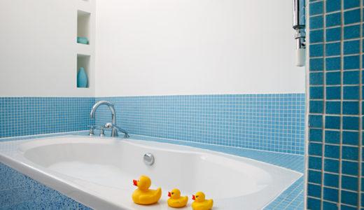 【お風呂嫌いを無くそう】人気おすすめなお風呂で遊べるおもちゃ10選と選び方とポイントを紹介