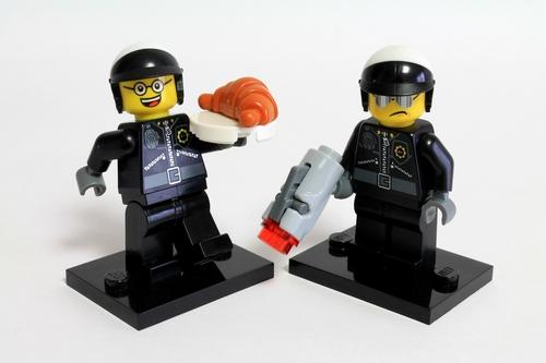 バッド・コップ(Bad Cop)/グッド・コップ(Good Cop)