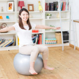 【効果や使い方も解説!】バランスボールの選び方と人気おすすめ10選|体の歪みや腰痛,ストレッチなどに!