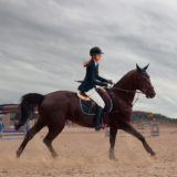 【初心者向け!】乗馬用ズボンの選び方と人気おすすめ10選!種類や素材を徹底解説!