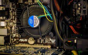 HDD か SSDか?ストレージの種類と容量を確認しよう