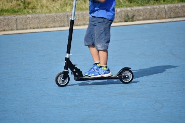 【安全×オシャレ】おすすめ子供用キックボードの選び方と人気ランキングTOP10