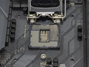 選び方2.CPUを先に決めた場合:インテルかAMDのCPUソケットを選ぶ